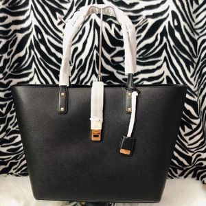 🔥New with tag Large Michael Kors carryall Tote 🔥